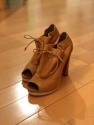 ^Crazy sale^ Fendi 連鞋盒鞋袋 size: 37.5