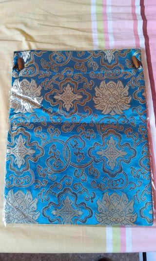 🚚 Oriental drawstring bag