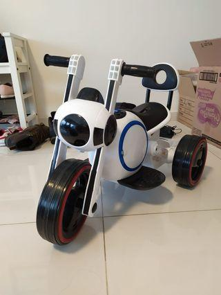 Kids electric tricycle / scooter