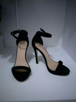 Thin velvet black heels