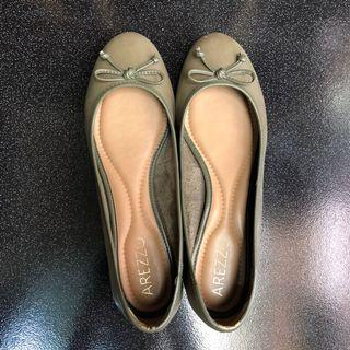 Arezzo Flat Shoes - Army