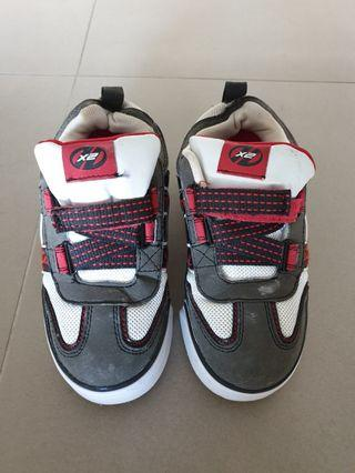 🚚 Heelys Roller Shoes Condition 7/10 Hardly Used Kids Size UK 12 (21cm)