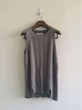 🚚 dailo 灰色麻花針織背心