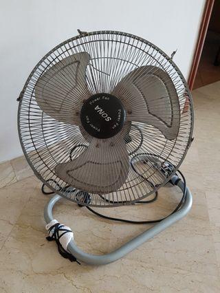 """Spoilt fan (18"""")"""