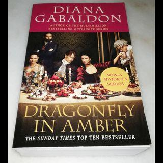 Dragonfly in amber by Diana Gabaldon (Book 2 of the Outlander series)