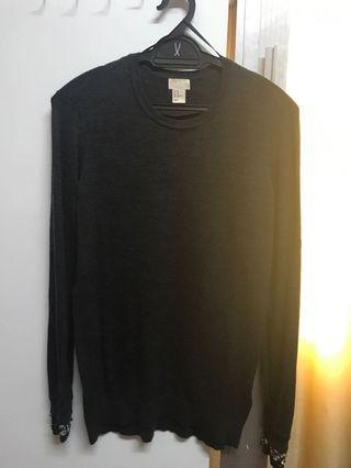 H&M Sweatshirt with embroidered sleeves