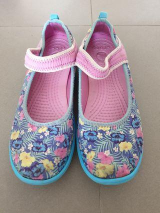 Crocs Shoes Size US6 Condition 6/10