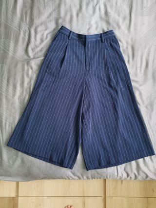 Uniqlo Navy Blue Stripes Culottes