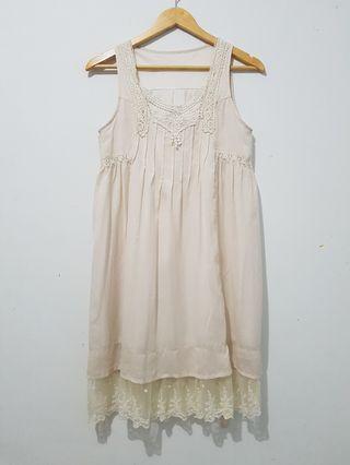 Dress wanita tanpa lengan model classic cream ALL SIZE