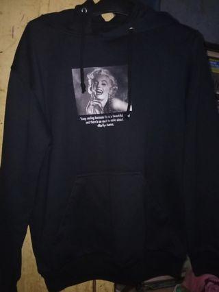 Black Hoodie (Marilyn Monroe)