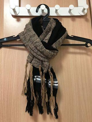 Knitted Scarfs with tassle