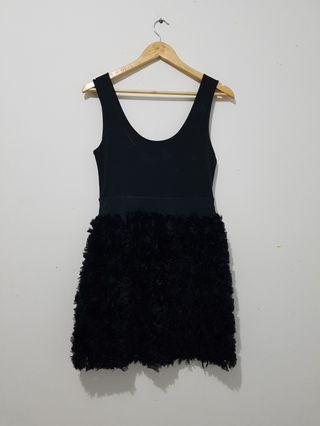 Dress hitam dengan uliran bunga2 chiffon Zara original sz L