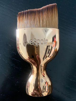🚚 Espoir Professional Foundation Brush