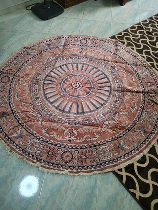 🚚 Round carpet