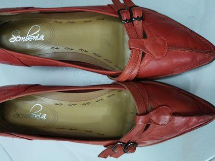 Pre-loved leather shoe