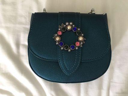 🚚 Crystal Greenn Sling Bag