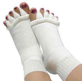 Socks for toe alignment correction