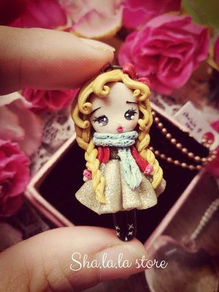 🚚 ❄ Cute Girl Pendant Necklace