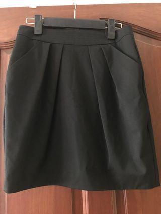 🚚 Mango Suit tulip skirt