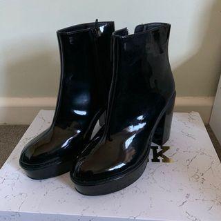 Lipstik Black Patent Platform Boots
