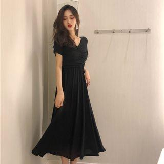 Women Korean Fashion New Long Skirt Retro V Neck Slim Fairy Dress [Black/Brick Red]