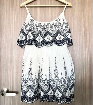 BNWT MDS Magnolia Embroidered Dress