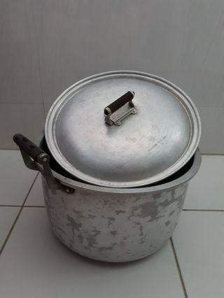 🚚 #Blessing: Used 26cm Cooking Pot