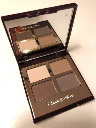 Charlotte Tilbury LUXURY PALETTE THE SOPHISTICATE Eyeshadow palette with cream, tan, taupe & chocolate shades 眼影