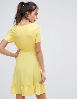 🚚 New look ruffle wrap dress