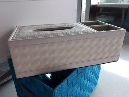 Tissue and accessories Box