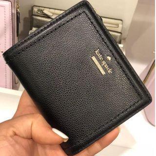 🚚 Kate Spade Small Bifold Wallet