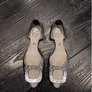 Roger Vivier鑽扣鞋