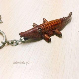 客製化/立體皮雕/鑰匙圈-鱷魚/免費烙字/手作皮革飾品/含運費(不議價)