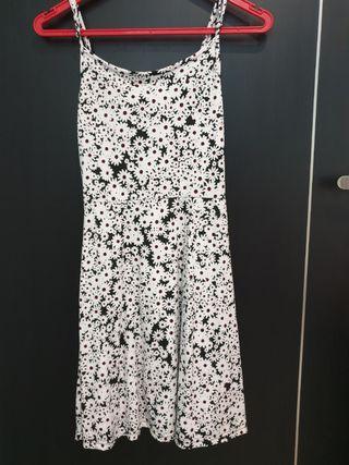 🚚 Cotton On Floral Dress