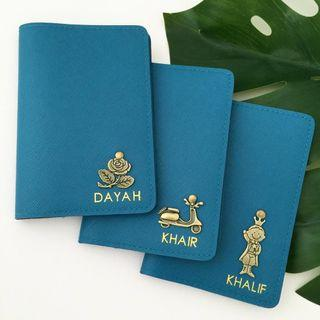 Saffiano Teal Passport Customised Personalised Passport Holder Personalized Good quality Leather Passport Cover Passport Case -6mm or 9mm text height in Gold -Add $1 for Charm, $1.50 for Alphabet Charm Travel Accessories Oversea Holiday