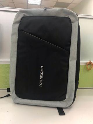 🚚 Osun 雙肩後背包 電腦包 USB充電 大容量 防潑水