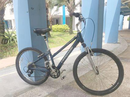 USA Cannondale Hybrid Bike
