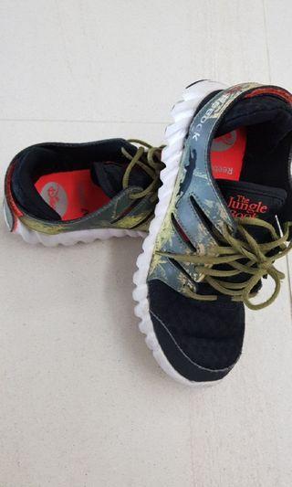 🚚 Reebok Shoe USA Size 2