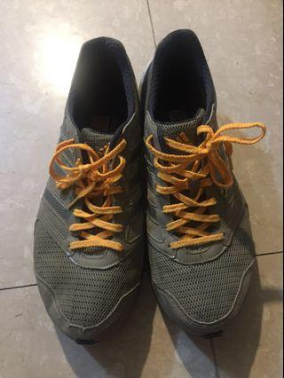 🚚 愛迪達 運動鞋