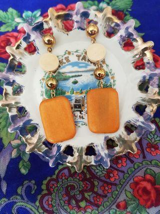 Statement wooden geometric earring