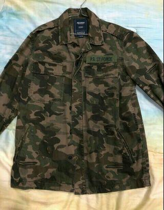 Pull and bear camo jacket muat s/m