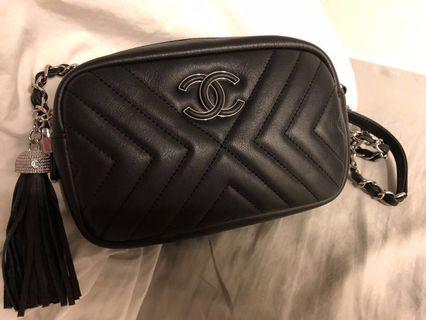 Chanel Crossbody Bag (99% new)