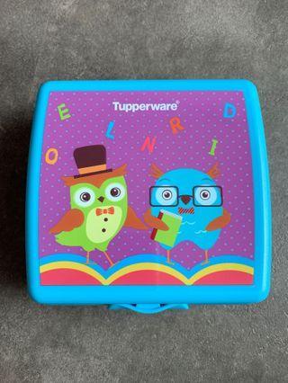 🚚 Tupperware Owl Sandwich Keeper (Blue)
