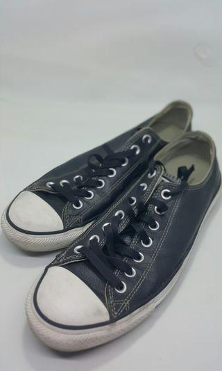 Converse leather size 9,5