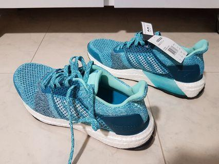 🚚 Adidas Ultraboost ST W Running Shoes