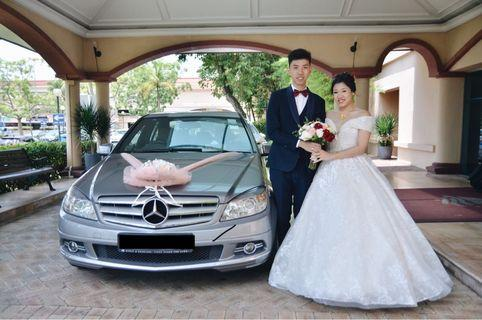 Wedding car with photography package