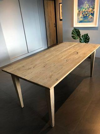 Originals Dinglik dining table