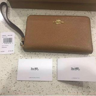 BNWT - Coach Leather Phone Wallet (Light Saddle Brown)