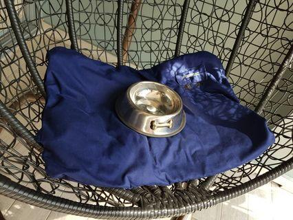 For blessing (FOC) - Brand new metal bowl and washable medium size bed mat.