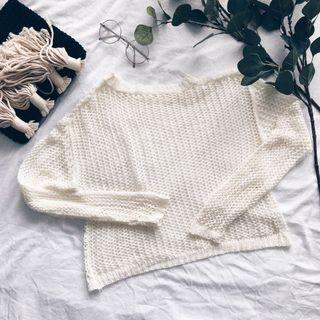 Offwhite Knitted Pullover Top
